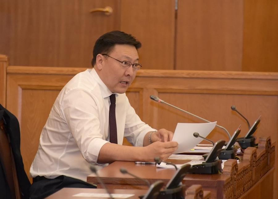 Ж.Батзандан: Ерөнхийлөгч иргэдийн зээлийг тэглэх хуулийн төсөл боловсруулж байгаа