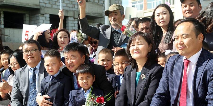 Монголын анхны цахим сургууль хичээлийн шинэ жилийн нээлтээ хийлээ