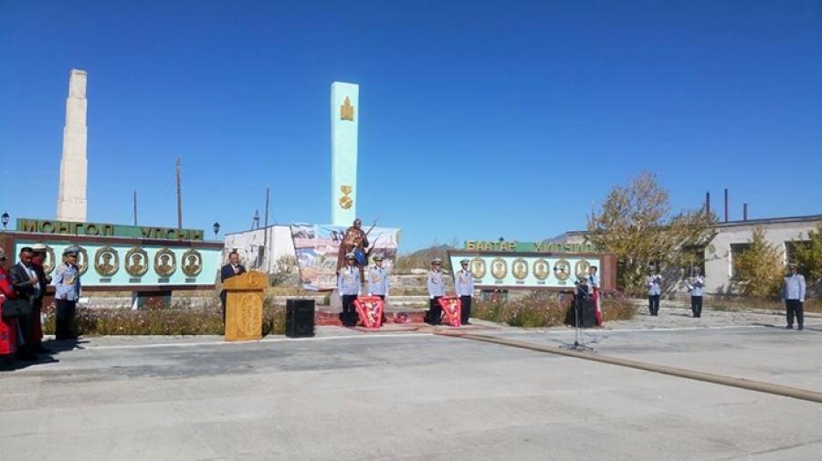 Монгол Улсын баатар Д.Намнангийн хөшөөг босгов