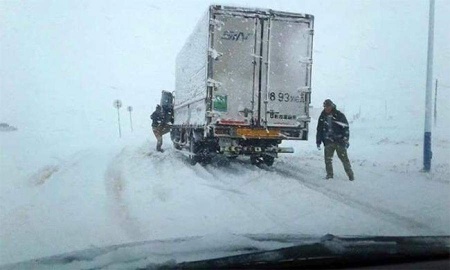 Булган, Төв, Хэнтийн өмнөд хэсгээр ахиухан хэмжээний цас орно