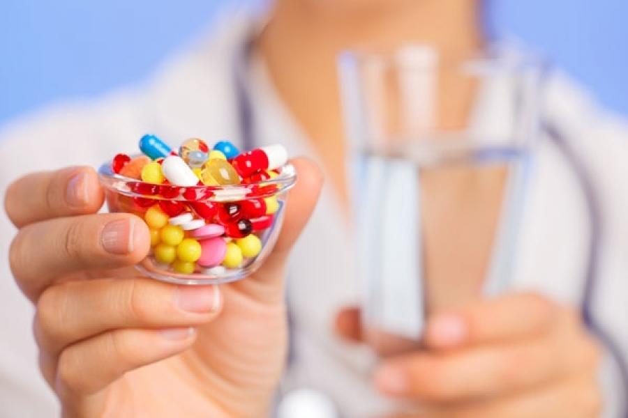Антибиотикийг дур мэдэн буруу хэрэглэснээс дасал үүсдэг