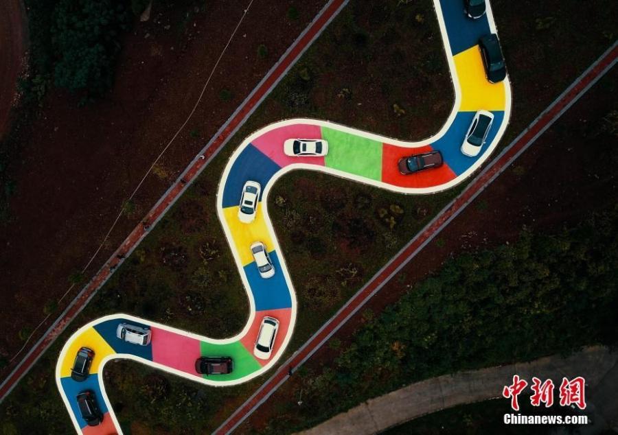 Хятадад өнгөт зам ашиглалтад орлоо