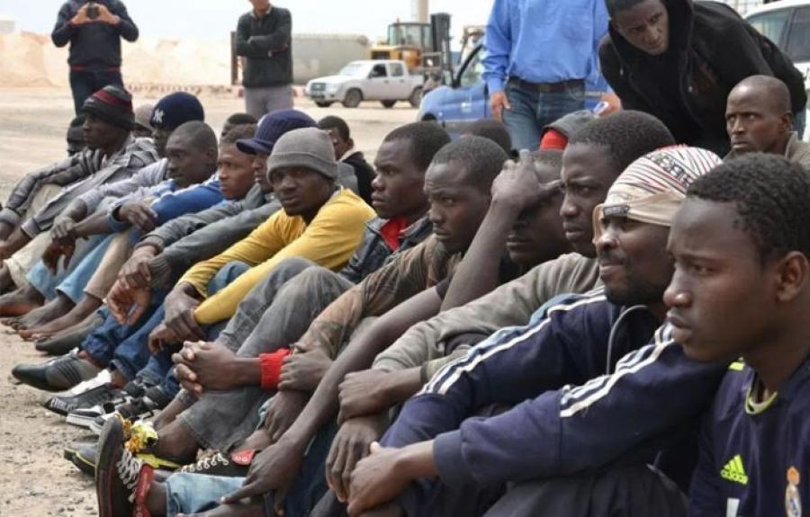 Израиль улс Африкаас ирсэн хууль бус цагаачдад 3,500 ам.доллар төлөөд нутаг буцаана