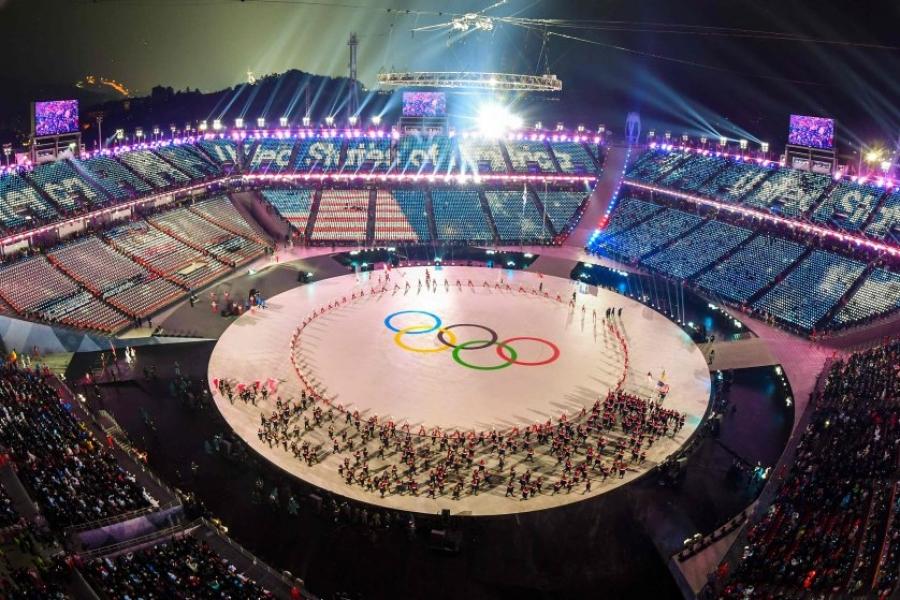 ФОТО: Өвлийн олимп хөшгөө нээлээ
