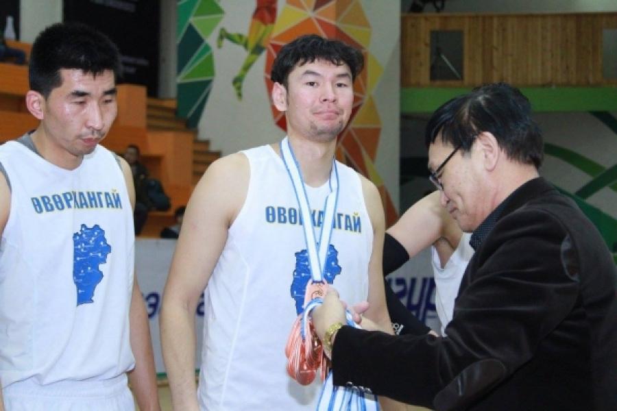 Үндэсний лигийн зүүн бүсийн хүрэл медалийг Өвөрхангай аймаг хүртлээ