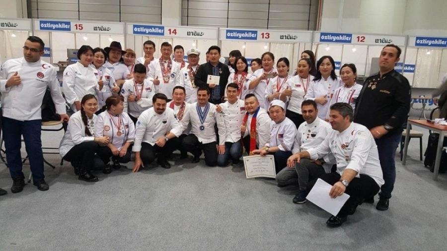 Тогооч нар олон улсын тэмцээнээс ганзага дүүрэн ирлээ