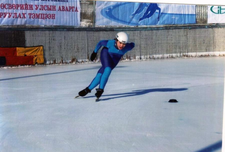 Монгол Улс хэзээ битүү дээвэртэй мөсөн спортын ордонтой болох вэ