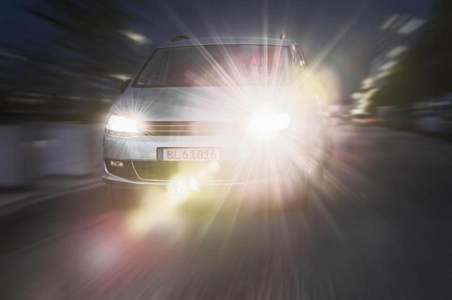 1600 гаруй тээврийн хэрэгслийн гэрлийн тусгалыг өөрчилжээ