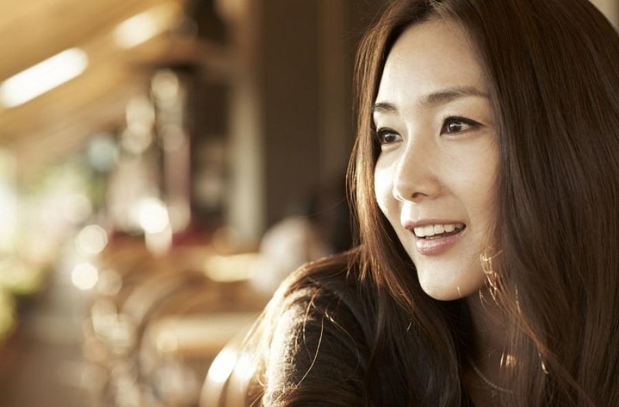 Жүжигчин Чой Жи Ву хуримаа хийжээ