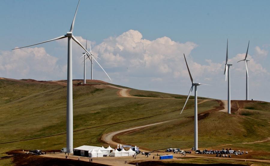 """Сэргээгдэх эрчим хүчний тухай хуулинд """"салхи"""" оруулах цаг болжээ"""