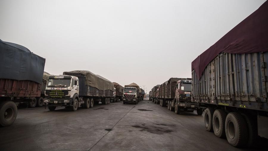 Нүүрс тээврийн автомашинуудыг гурван эгнээгээр нэвтрүүлж эхэллээ