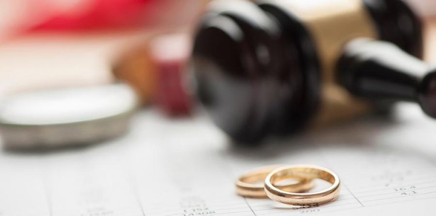 Гэр бүл салалтад өрхийн санхүү, эдийн засгийн асуудал нөлөөлж байна