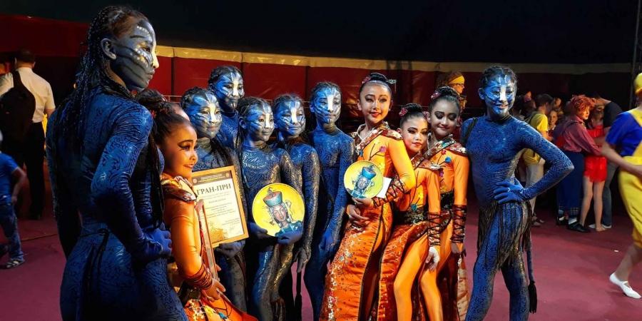 Уран нугараачид олон улсын наадмаас Гранпри шагнал хүртлээ