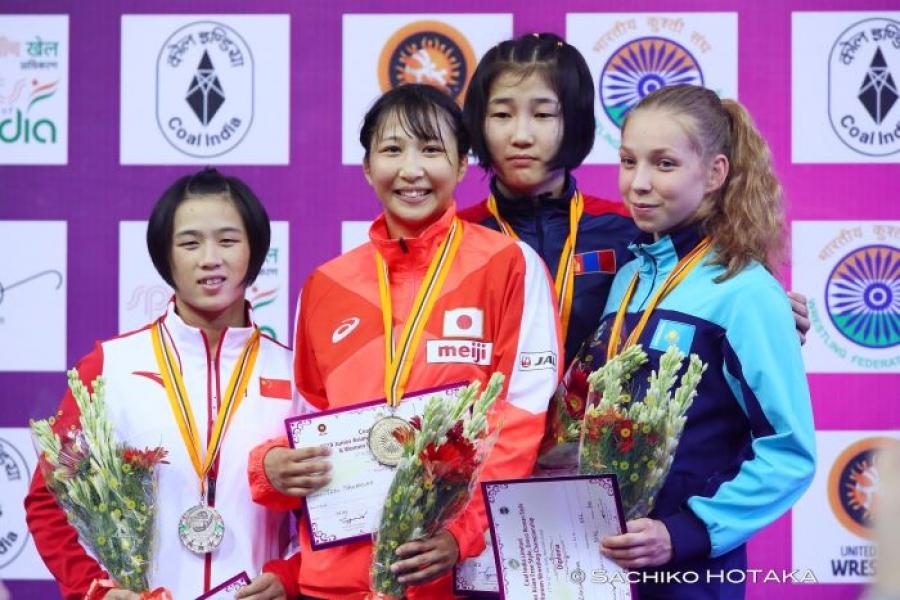 Залуу бөхчүүд Шинэ Делигийн дэвжээнээс долоон медаль хүртлээ