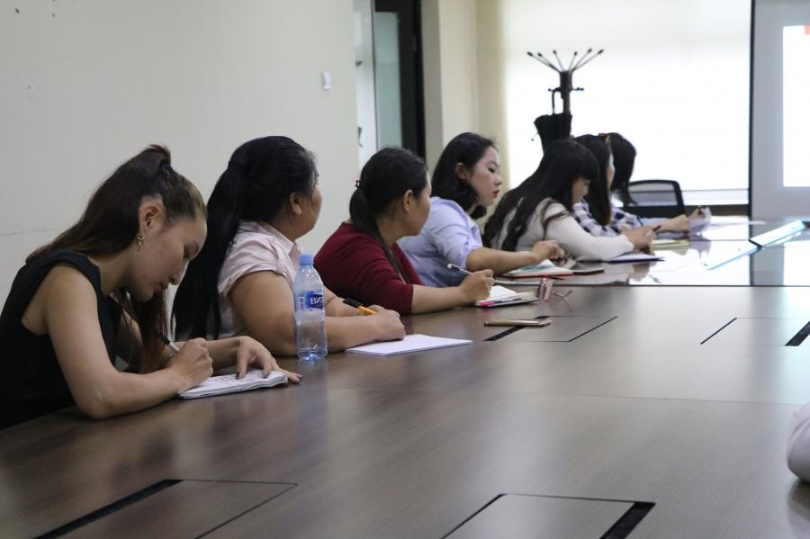 Залуучуудыг хорт зуршлаас урьдчилан сэргийлэх чиглэлээр сургагч багш бэлтгэж эхэллээ