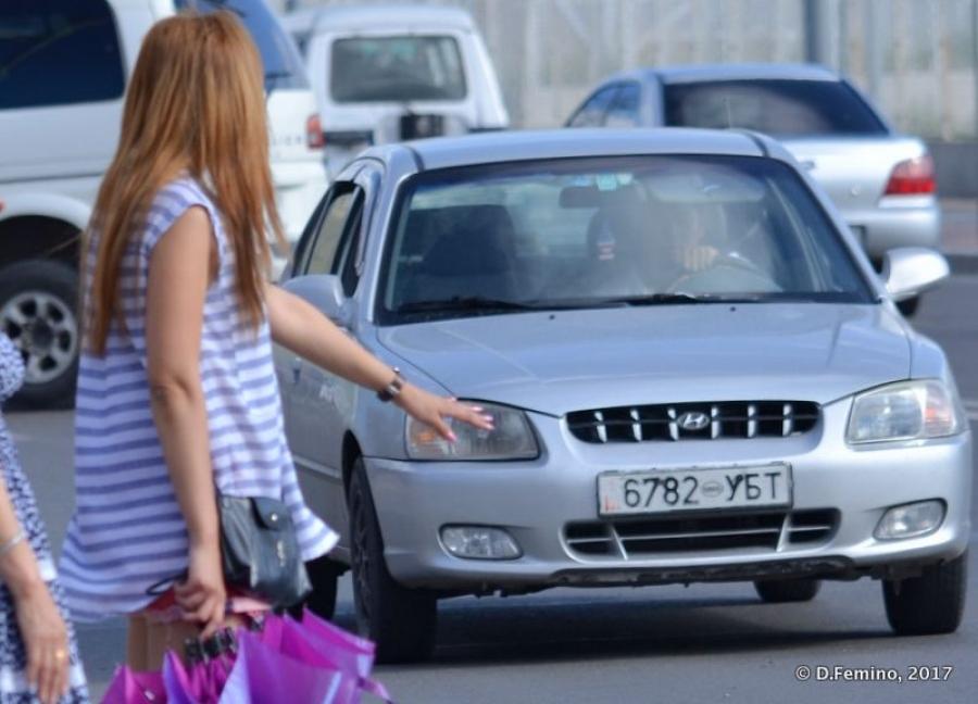 Хууль бусаар такси үйлчилгээ явуулж буй жолооч нарт хариуцлага тооцно