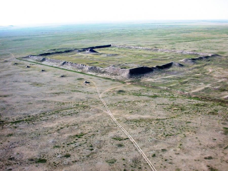 Монголд эртний 1000 гаруй хот суурин байгааг судалж, тогтоожээ