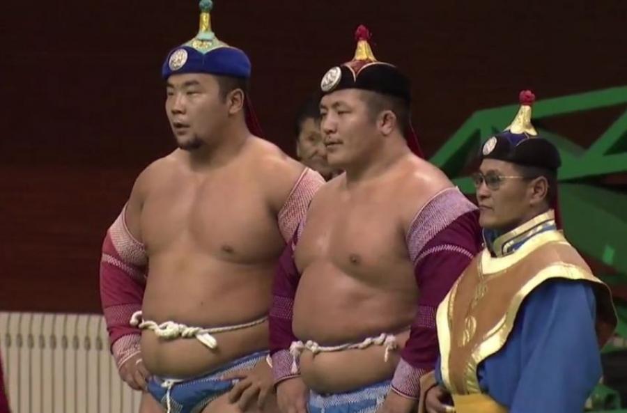 """""""Монгол бахархлын өдөр""""-ийн барилдаанд улсын начин Д.Анар түрүүлэв"""