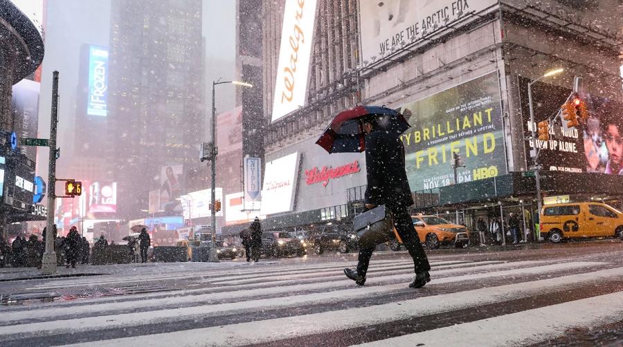 ФОТО: Нью-Йорк хотын анхны цас