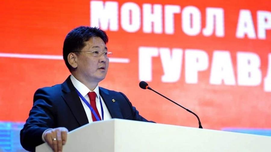 У.Хүрэлсүх: Монгол төр гацаанд орчихоод байна