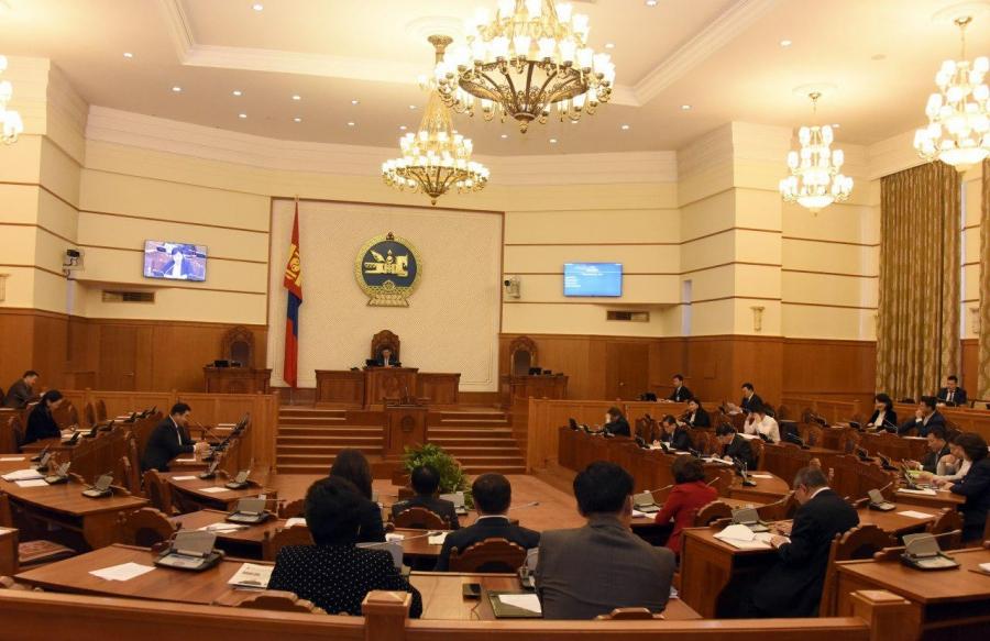 Ерөнхийлөгчид чуулганы хуралдаан тасалсан гишүүдийн нэрсийг хүргүүллээ