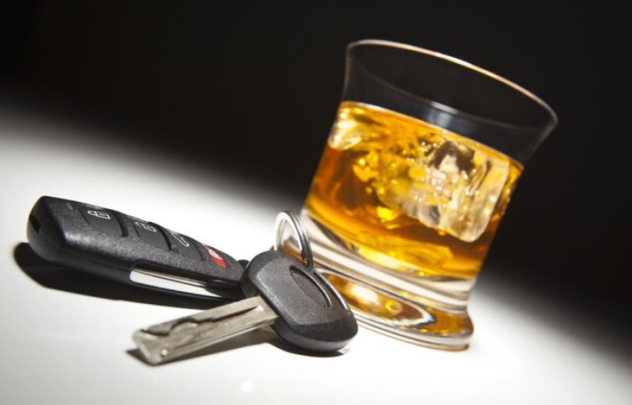 Согтууруулах ундаа хэрэглэсэн үедээ тээврийн хэрэгсэл жолоодсон 63 зөрчлийг илрүүлжээ