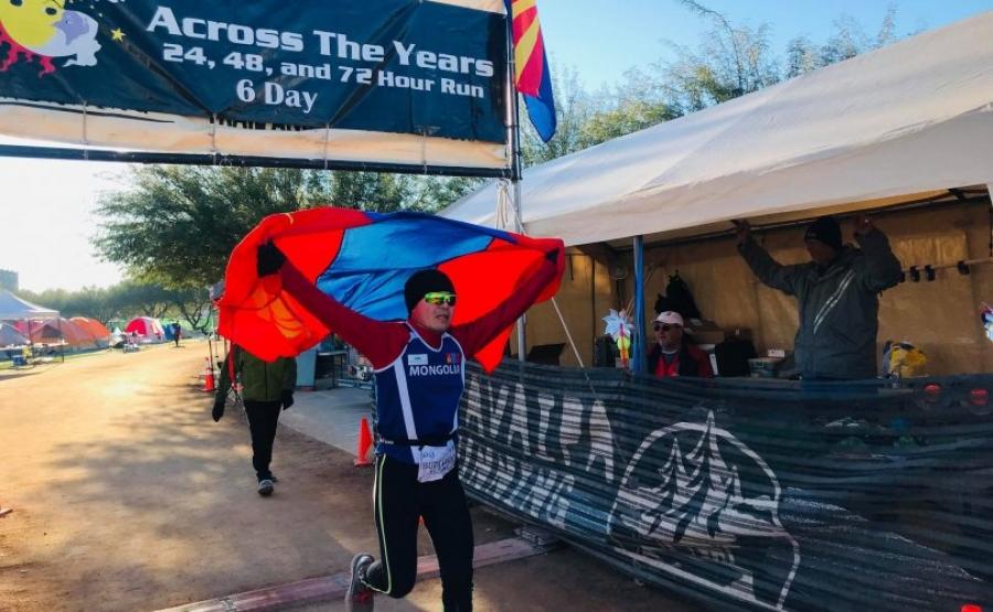 Б.Буджаргал холын зайн гүйлтийн марафонд түрүүлжээ