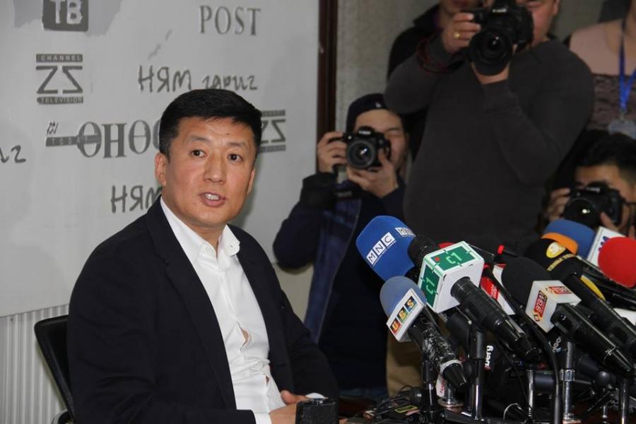 """С.Баярцогтын гадаадад """"нуусан"""" их хэмжээний  ам.долларын хуулгыг Монголд хүлээлгэн өгчээ"""