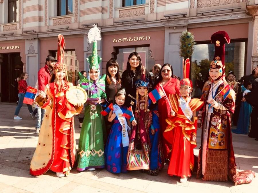 """Монгол охин """"Дэлхийн бяцхан мисс 2019"""" тэргүүн дээд шагналыг хүртлээ"""