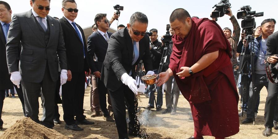 Монгол Улсын Ерөнхийлөгч Х.Баттулга Үндэсний кино үйлдвэрийн шав тавих ёслолд оролцож, үг хэллээ