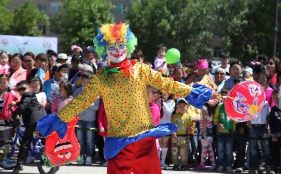 Танилц:Хүүхдийн баярын хөтөлбөр