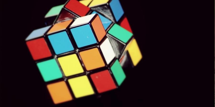 Рубик шоо эвлүүлдэг алгоритм бүтээжээ