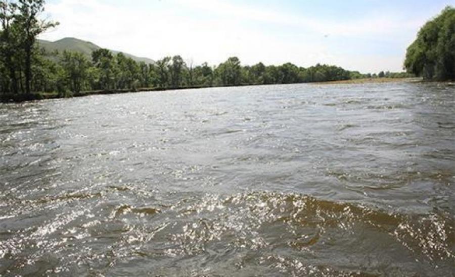 Туул голын дагуу үерийн түвшин нэмэгдэж, хүчтэй үерлэж байгааг анхаарна уу