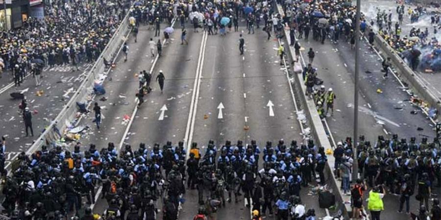 Хонгконгийн цагдаагийнханд хүч хэрэглэхгүй байхыг уриалав