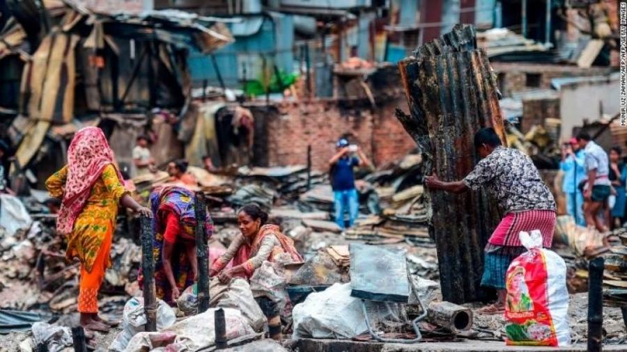 Бангладешт гарсан гал түймрийн улмаас 50 мянган хүн орон гэргүй болжээ