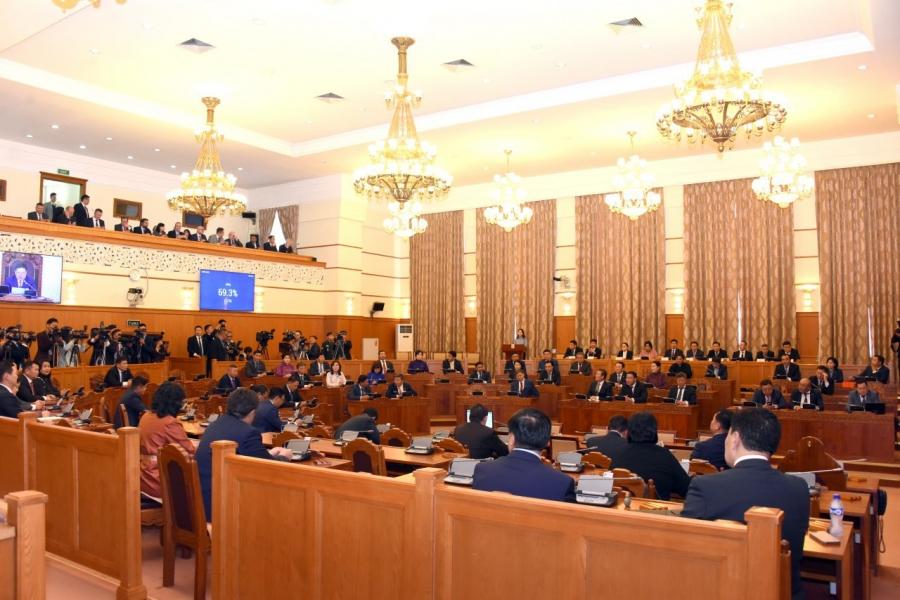 Б.Баттөмөр: Монгол Улсын төсвийн тэнцвэржүүлсэн тэнцэл анх удаа ашигтай гарсан