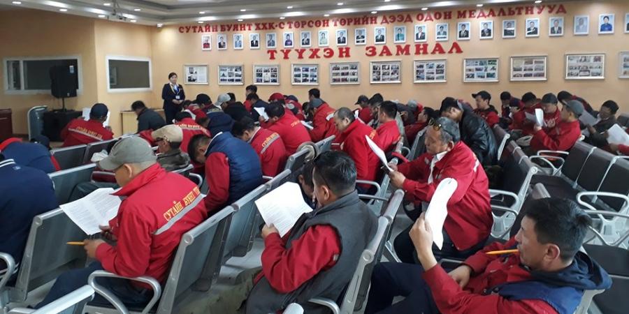 Нийтийн тээврийн үйлчилгээний жолооч нар шалгалтад хамрагдлаа