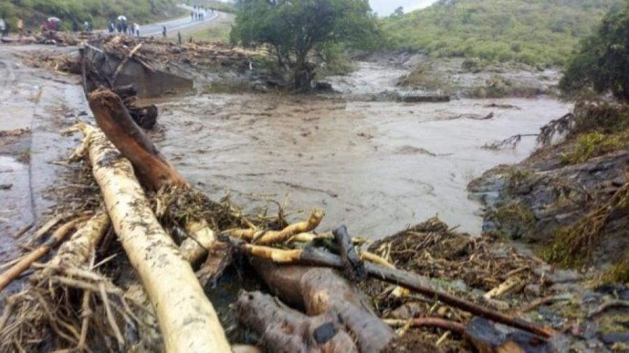 Кенид хөрсний гулгалтын улмаас олон хүн амиа алджээ