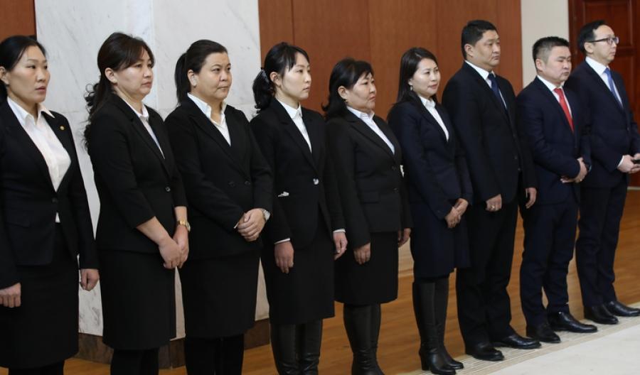 Улсын дээд шүүхийн шүүгчийн болон анхан шатны шүүхийн шүүгчийн албан тушаалд зарим хүнийг томиллоо