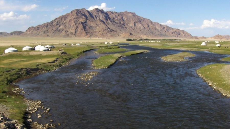 Голуудын усны түвшин үерийн түвшинг 5-50 см даван үерлэж байна