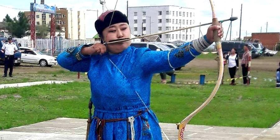 Б.Мөнхшүр: Монгол түмэн минь дэнж хотойтол дэлгэр сайхан наадаарай