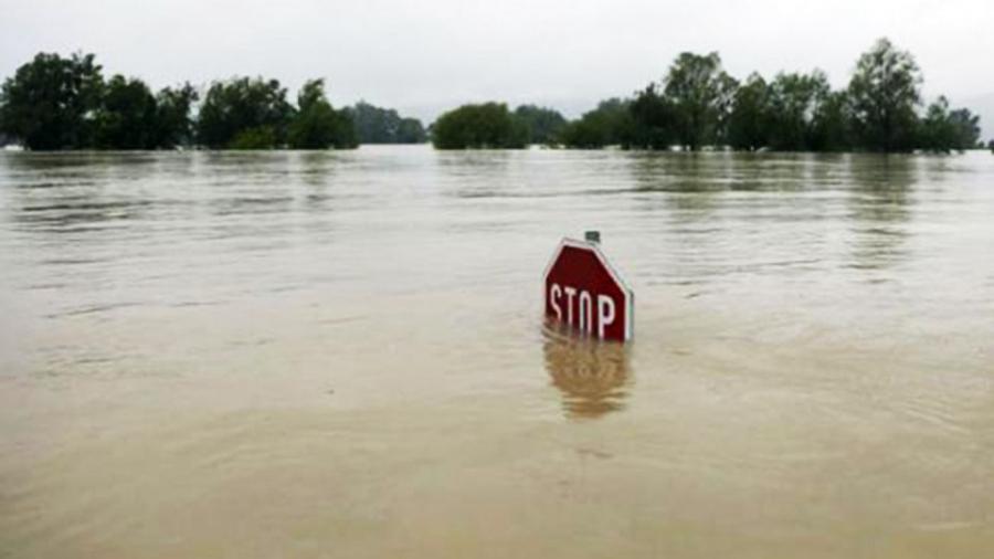Гол, мөрний усны түвшин 25-45 см даван хүчтэй үерлэж байна