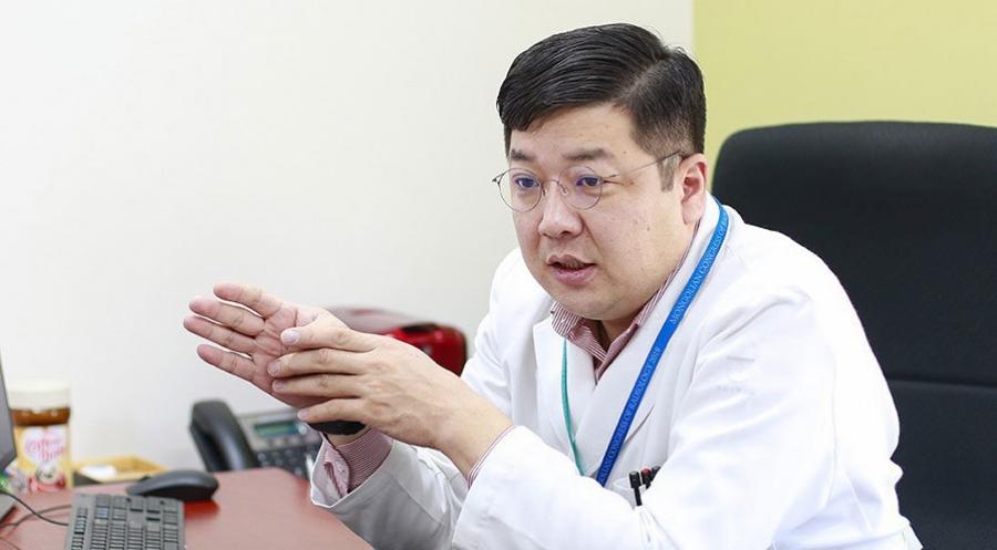 Б.Эрдэнэбулган: Хөхний хорт хавдрыг соруулах аргаар эмчилж байна