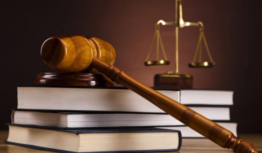 Эрх баригчдын ''Хонгил нураана'' гэж ярьсаар баталсан Шүүхийн хуулийн өөрчлөлтүүд