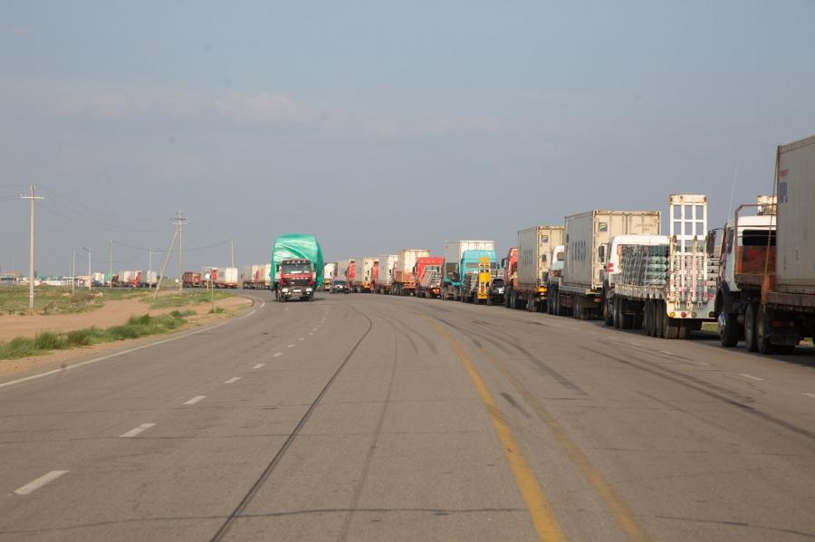Эрээн хотод үлдсэн 20 мянган тонн ачааг энэ сардаа татаж, ачаа тээвэрлэлтийг хэвийн горимд шилжүүлнэ