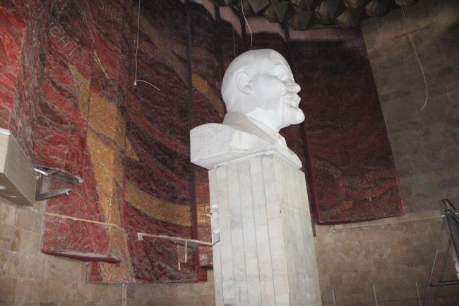 НШГА-аас шүүхийн шийдвэрийг албадан гүйцэтгэж Лениний музейг чөлөөллөө