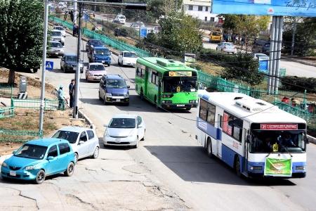 Хотын удирдлагууд төсвийн хөрөнгөөр үнэтэй автобус худалдан авч байна гэв