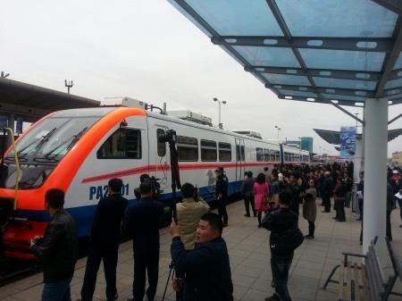 Монгол Улс рэйлбус автобустай боллоо