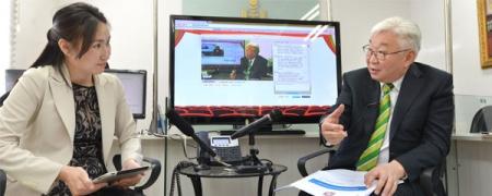 Улаанбаатар хотын захирагч Э.Бат-Үүл Засгийн газрын 11-11 төвд ажиллаа