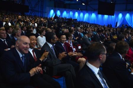 Ерөнхий сайд Петербургийн олон улсын эдийн засгийн чуулга уулзалтад оролцлоо